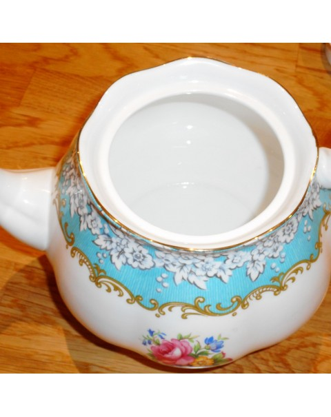 (OUT OF STOCK) ROYAL ALBERT ENCHANTMENT TEAPOT